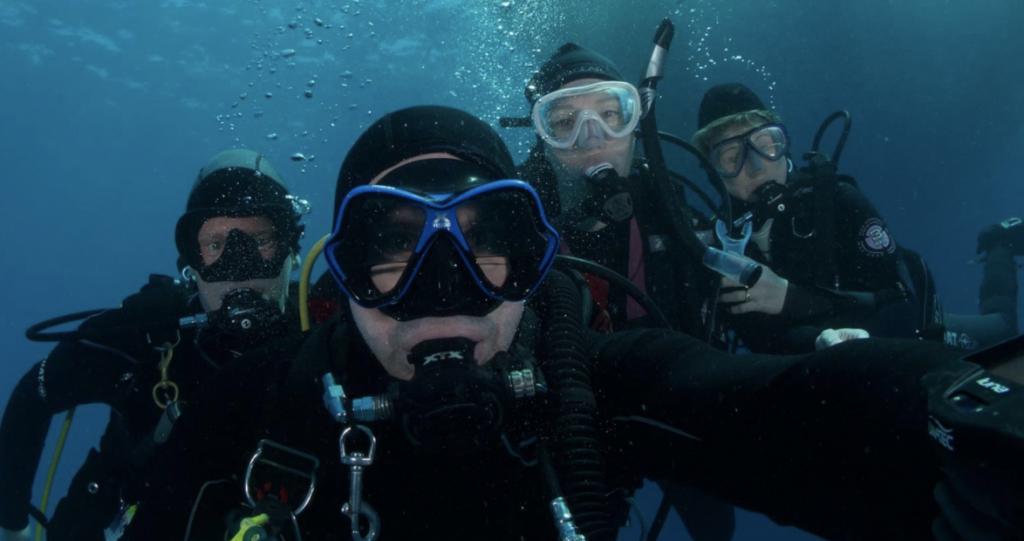 cairns diving A team
